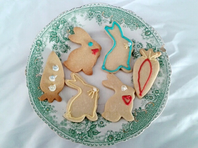 Rabbits and carrots Easter cookies